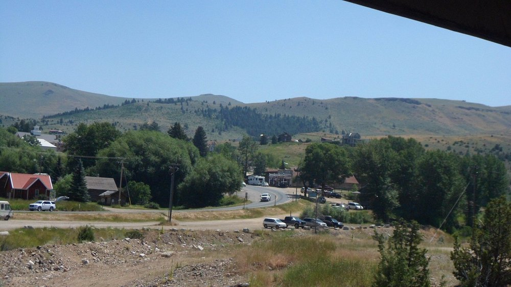 The highway heading to Virginia City