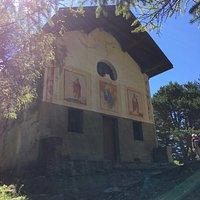 Cappella di S. Pantaleon (XIX sec.)... più interessante di quella di St. Evence