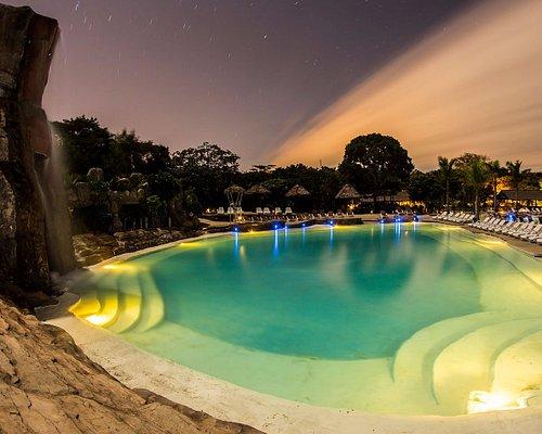 Majestuosas piscinas Amboró