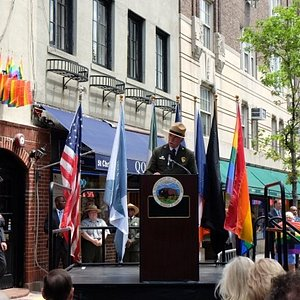 NPS Director Jon Jarvis dedicates the National Monument