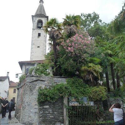 Weg vom Piazza Grande zur Kirche
