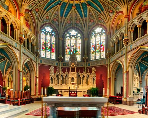 Alter at St. John the Baptist Cathedral