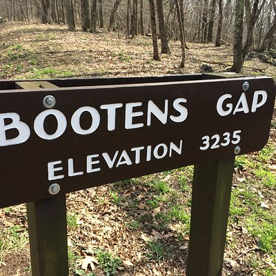 Bootens Gap, Elevation 3235