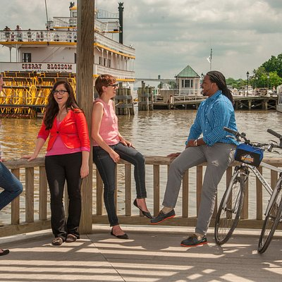 Tour the Waterfront by bike!