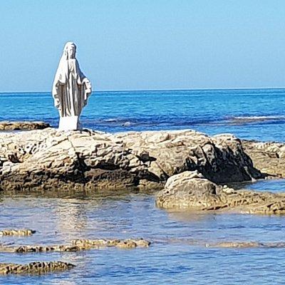 Giallonardo: Baia Delle Sirene