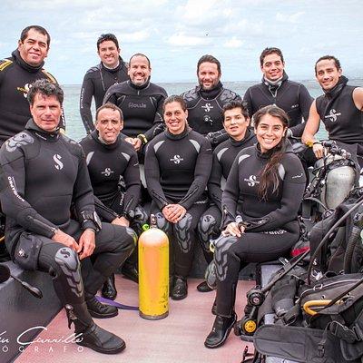 listos para bucear en nuestros diferentes cursos de Rescue, Open Water