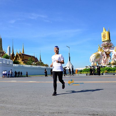 Go Running Tours Bangkok welcomes all levels of runners to socialise, run and eat throughout Ban
