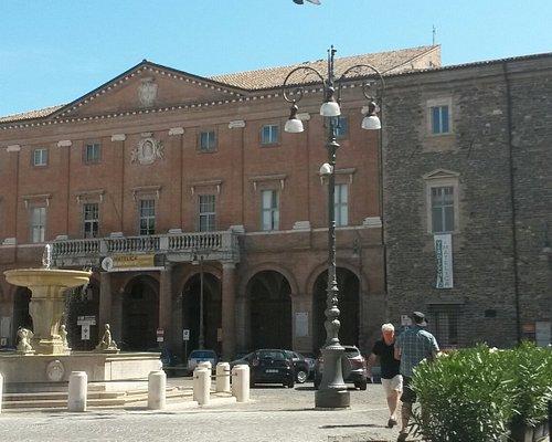 Piazza E. Mattei