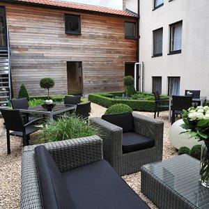 barazar Lounge Bar @Flanders Hotel