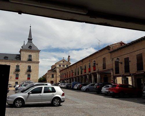 Palacio Ducal y Plaza Mayor