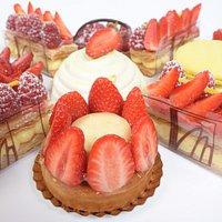 assortiments de desserts maison