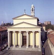 Chiesa Parrocchiale di Concorezzo dei Santi Cosma e Damiano. Progetto del Cagnola. Stile greco-p