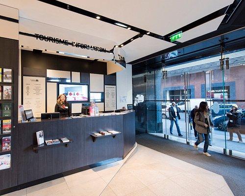 Point Information Tourisme - Galeries Lafayette Homme