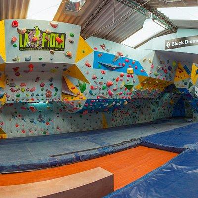 Somos el mejor y el más grande gimnasio de escalada de Colombia