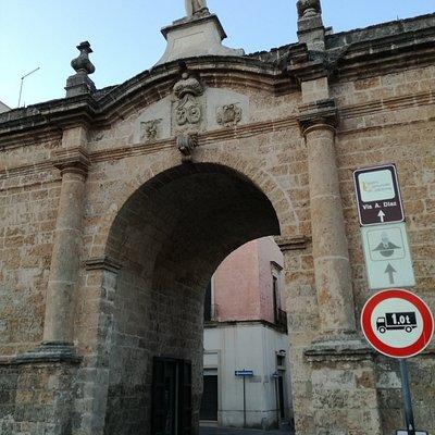 Vista della Porta di San Sebastiano