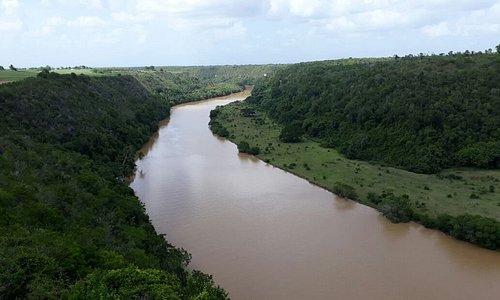 nel paradiso dei caraibi siamo in escursione con italcruise sul fiume riho chavon