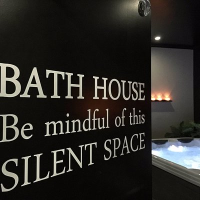 Relax in our Bath House and enjoy hot & cold spas, sauna and steam room.