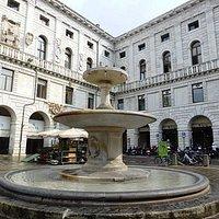 Fontana di Piazza delle Erbe