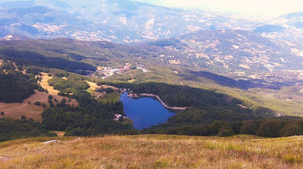 Lago Calamone visto dal Monte Ventasso