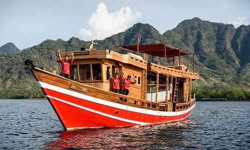 Markisa, our Dive Safari boat - Abyssworld