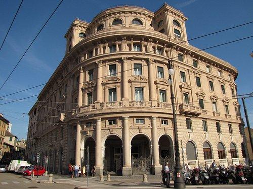 Veduta frontale dell'Ex Hotel Colombia