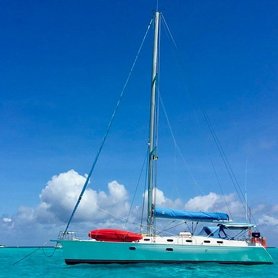 SY Nemo at BlueFoot Travel anchored in Tobago Cays