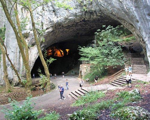 Entrada a la cueva principal