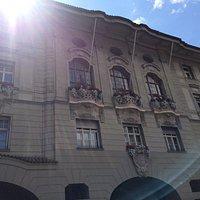 Bolzano, palazzo municipale in agosto
