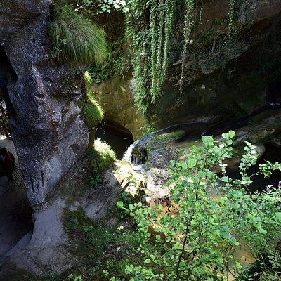Scorci grotta del caglieron