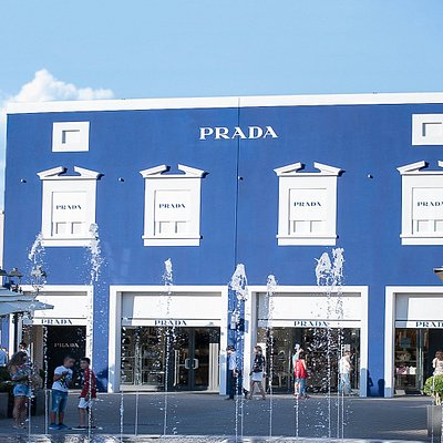 Prada a Sicilia Outlet Village