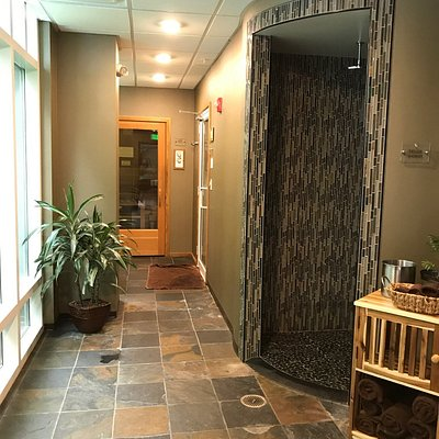 Relaxation lounge, hallway, steam and sauna rooms