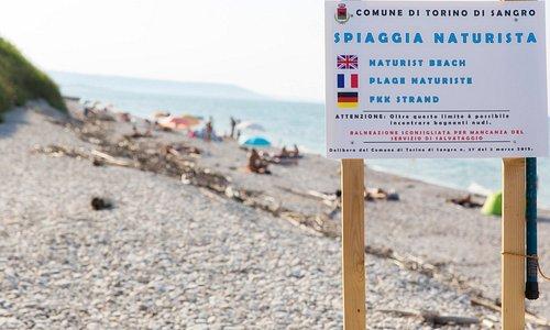 Cartello di inizio spiaggia. Non fermatevi prima
