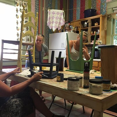 Great Furniture painting workshop with Virginia, the resident Dixie Bell expert