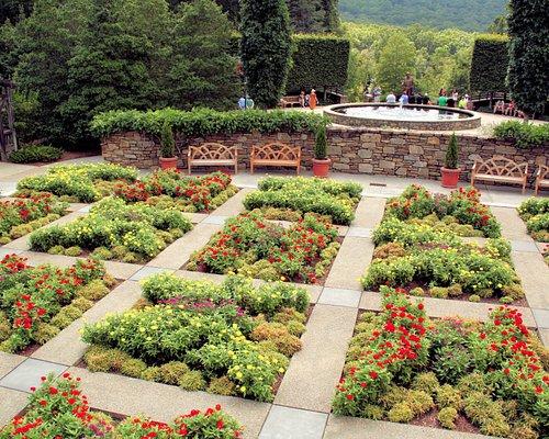 The quilt pattern garden