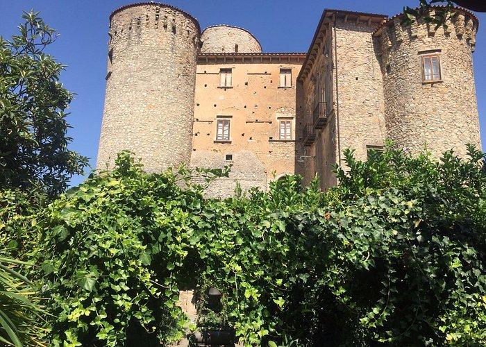 foto del Castello scattata nel giardino principesco