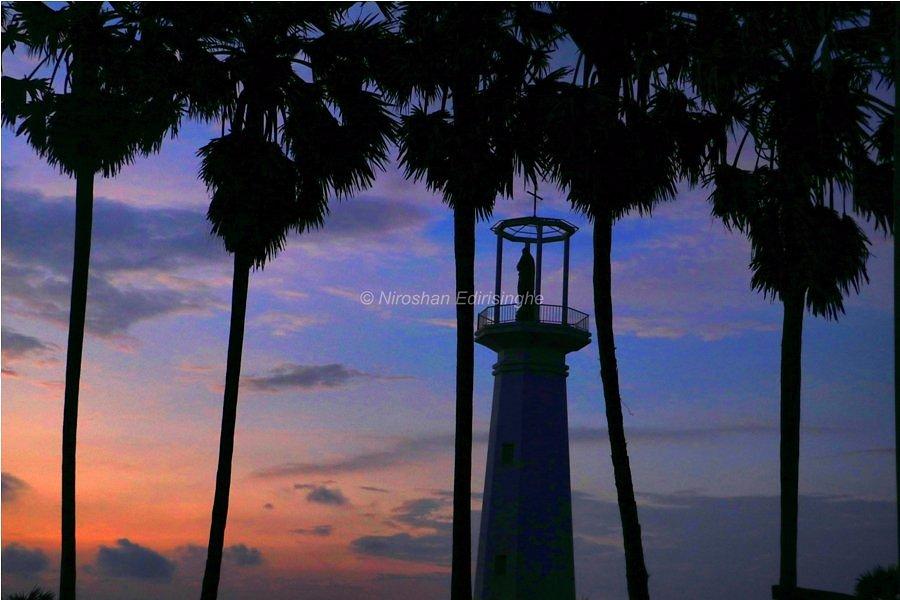 Sun set over Thalawila beach