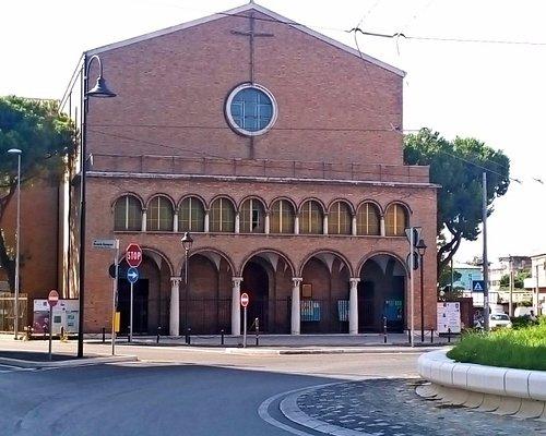Церковь снаружи