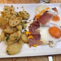 Uovo con speck e patate