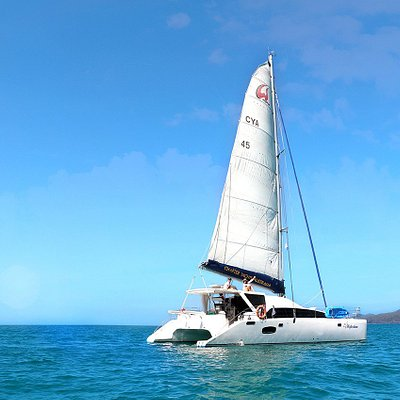 Discover true freedom when you skipper your own boat around the 74 Whitsunday Islands.