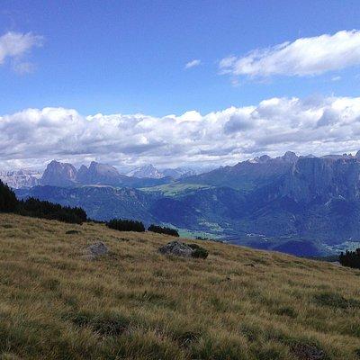 Panorama verso il Sasso Lungo, Sasso Piatto e Catinaccio
