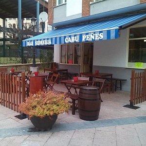 Nuestra terraza, ideal para degustar nuestra sidra escanciada personalmente para nuestros client