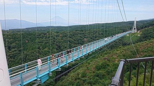 吊り橋と富士山