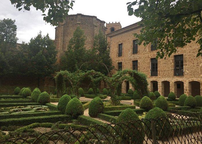 Vista exterior del Palacio desde los jardines