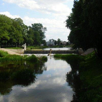 Zdjęcie z mostku przy obrzeżach Parku.