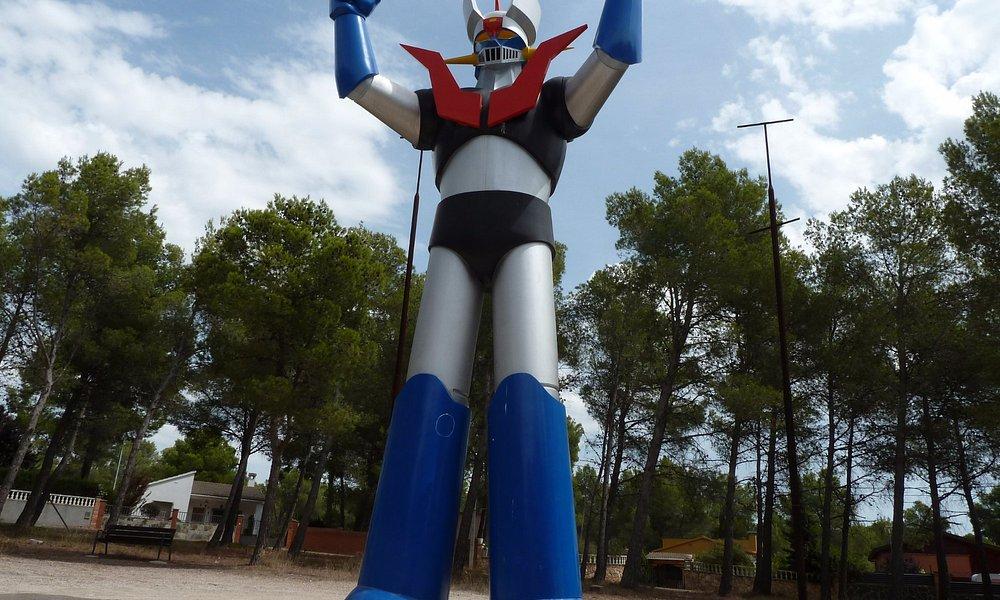 imponente la estatua de Mazinger Z