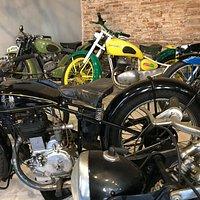 мотоциклов в музее очень много, жаль что я в этом ничего не понимаю