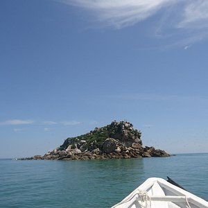 Passing One of the rocky Island as we proceed to Satang Island