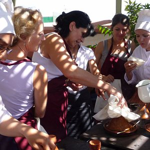 Enjoy a friendly Moroccan cooking class at Riad Monceau Marrakech