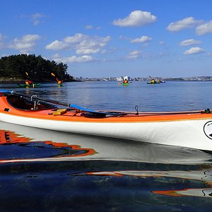 Kayak in Stavanger. Guided tours, some hours, one day or small expeditions.