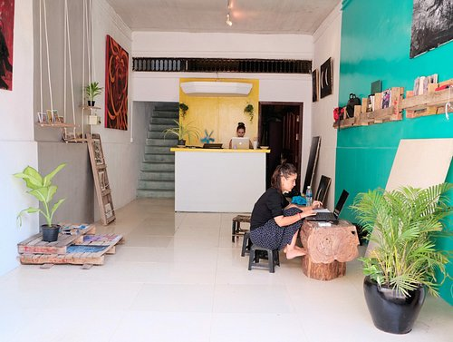 First floor/ shop and workspace